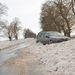 A hó fogságában rekedt autó Kisbelgrád település határában
