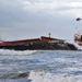Az ország nyugati, atlanti-óceáni partjánál került viharba a hajó.