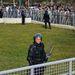 Feltűnő volt, hogy a tüntetéseket nagyon kevés rendőr biztosította, az utcán senki sem kísérte a tömeget, csak a bosnyák szövetségi kormány épületét vették körül kordonokkal és néhány tucat rohamrendőrrel.
