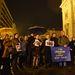 Budapesten a Szent István Bazilika előtt 30-40 ember gyűlt össze egy szolidaritási tüntetésen.