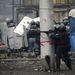 Egy Kijevben dolgozó olvasónk azt írta, a Majdan környéke hatósági zár alatt van, a kalasnyikovos rendőrök autókkal zárják el az utakat.