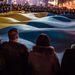 A tüntetők már megfogalmazták követelményeiket a várhatóan a napokban megalakuló új ukrán kormány tagjaival szemben. Eszerint professzionális, makulátlan múlttal rendelkező embereket, nem pedig pártfunkcionáriusokat akarnak látni a minisztériumok élén.