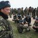 Kedden délelőtt  3-400 fegyvertelen ukrán katona elindult, hogy visszafoglalják a bázist.