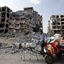 Lebombázott épületek a Gázai övezet északi részén