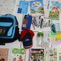A hétéves tajvani iskolás tanévkezdő csomagja így néz ki. Napszemüveg nélkül nincs iskolakezdés.
