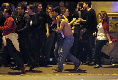 Hajnali 2-kor már legalább 140 halottról tudni. Sokkoló tragédia rázta meg Párizst.