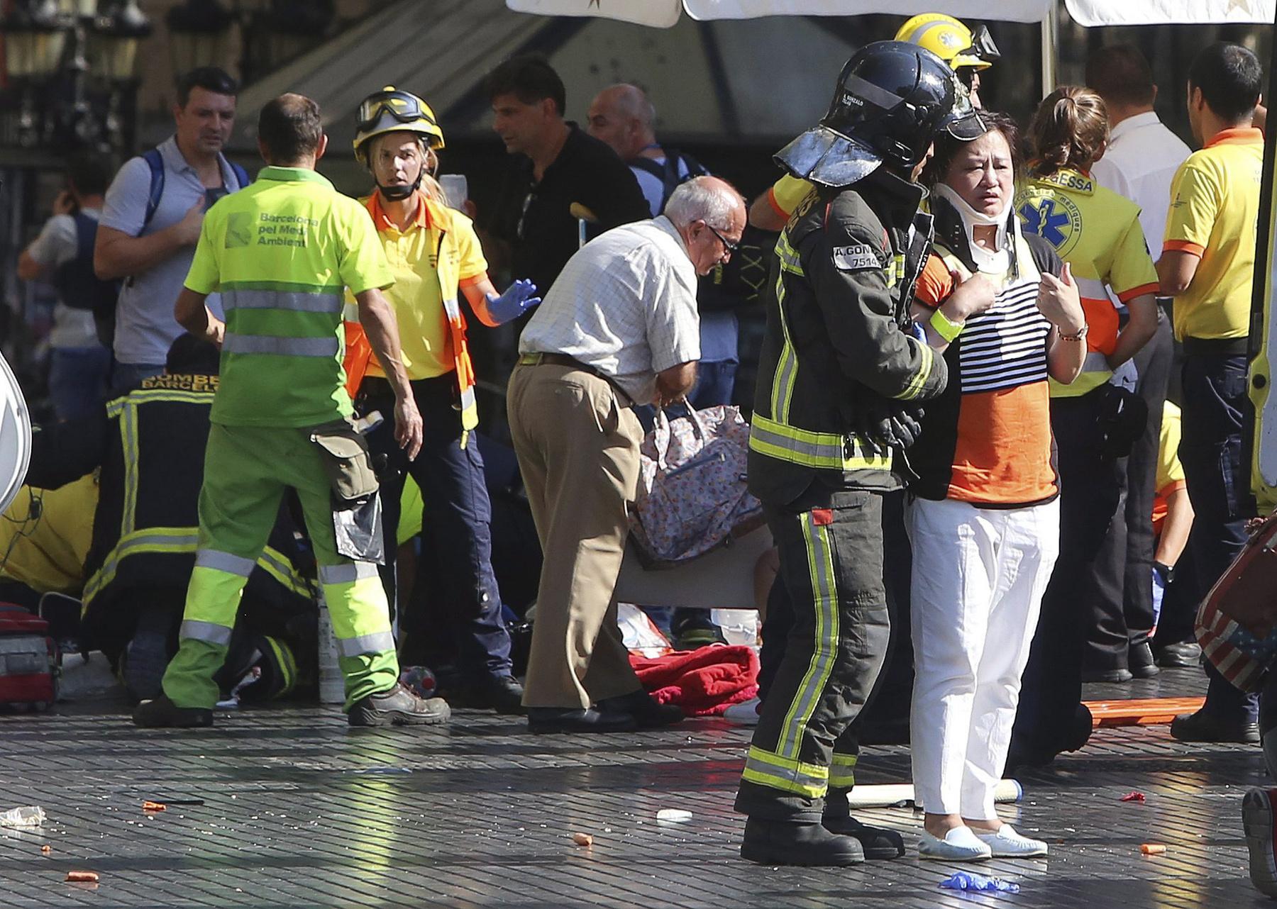 Néhány órával a barcelonai merénylet után újabbat hajtottak végre a terroristák a katalán fővárostól száz kilométerre fekvő Cambrilsban. Öt férfi hajtott egy Audi A3 autóval gyalogosok közé, hét embert – köztük egy rendőrt –  megsebesítettek, kettejük állapota válságos.