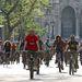 A kerékpárosok bevonulása.