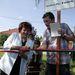 Balog Imréné polgármester és Pusztay András lapigazgató átvágják