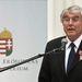 Réthelyi Miklós nemzeti erőforrás miniszter beszédet mond az Iparművészeti Múzeumban
