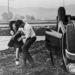 A 70 éves Harrison Ford első jelentős filmje, az 1973-as Amerikai Graffiti forgatásán. Cindy Williams épp pofon vágta