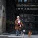 Ha csak a festésből élnék, már a híd alatt lennék – mondja a kutyabarát művésznő a Horváth Mihály téren. A moszkvai alkotók sincsenek könnyebb helyzetben.