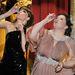 Rose Byrne és Melissa McCarthy tavaly lehúztak egy-egy felest a színpadon, mielőtt átadták a díjakat.