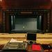 Hangosítói rálátás az Erkel grandiózus nézőterére és színpadára. Kb. kétezer férőhelyével mindmáig az Erkel Budapest és egyben az ország legnagyobb színháza.