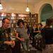 Az angol nyelvű tudományos non-fiction irodalom főleg külföldi vendégeket vonz.
