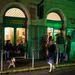 Mint megtudtuk, kevesen tudják, hogy a Nagy Dióa utcai Massolit könyves kávéház apró szobáiból a belváros legnagyobb zöld udvarára nyílik teraszajtó.