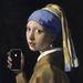 Lány gyöngy Iphone-nal