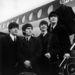 1964. február 8: Londonban, a repülőtéren.