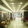 A mozi 1935-ben épült, a háború végéig Savoy moziként üzemelt.