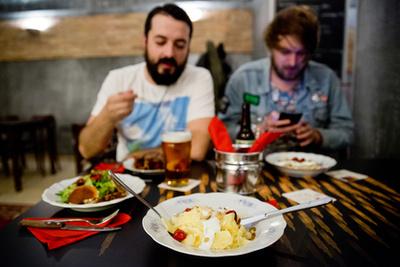Az egykori Kispipa étterem, a Szomorú vasárnap dal szülőhelye - így mutatkozik be a Malter a közösségi oldalon