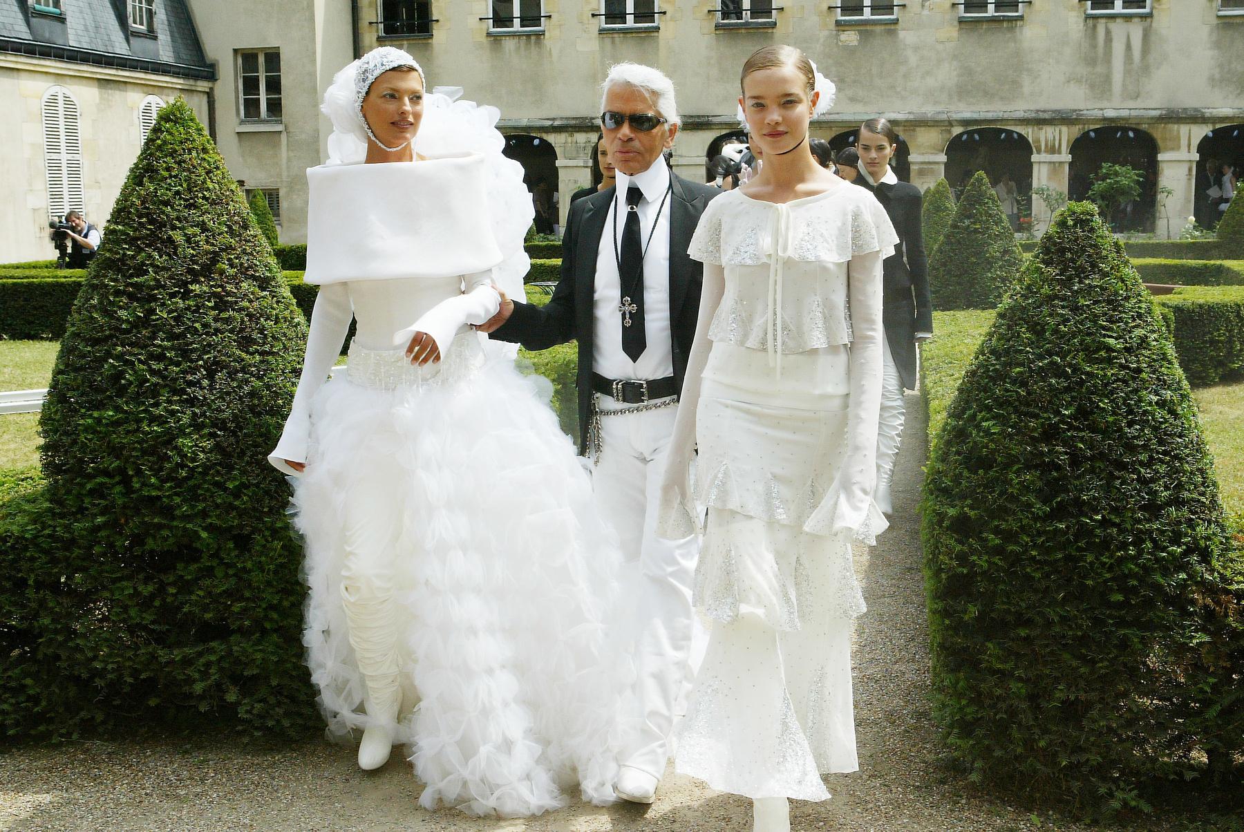 ,,A divat azok utánzása, akik különbözni akarnak azoktól, akik semmiben sem különböznek egymástól.