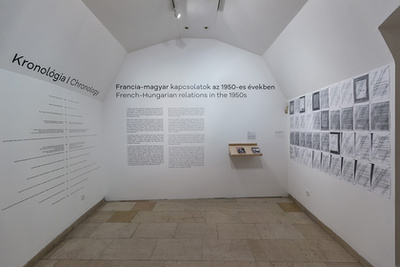 A budapesti és a párizsi könyvkiállítások eredeti plakátjai