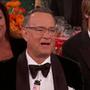 Tom Hanks, és jobbra tőle Keith Urban zenész (Nicole Kidman férje) a Felicity Huffman-poén után