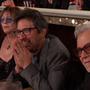 Ray Romano és Harvey Keitel a Judy Dench-vicc felvezetésekor