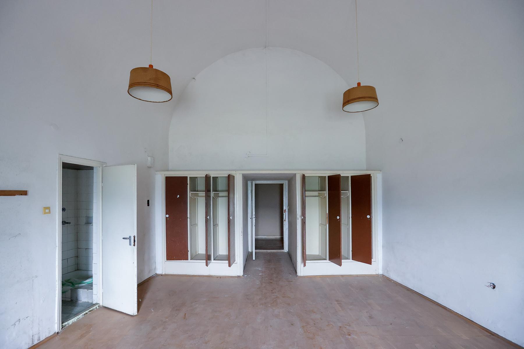 Egyelőre még nem választották ki a tervezőt, nincsenek elfogadott építészeti tervek, így nem tudni, mi lesz a tetőn - de vétek lenne kihasználatlanul hagyni