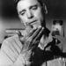 Burt Lancaster az Alcatrazi ember című 1962-es filmben. A gyilkosból madárszakértővé váló rab történetét négy Oscarra jelölték, egyet sem kapott meg.