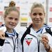 Lakatos Zsanett és Takács Kincső a kenu kettes 500 méteres verseny eredményhirdetésén