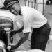 Owens dolgozott benzinkutasként, gyapotszedőként, cipészként és pr-osként is