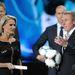 Szergej Bubka olimpiai bajnok mutatja be a 2012-es Eb hivatalos labdáját.