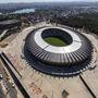 A Belo Horizonte-i Mineirao stadion régi fala megmaradt, de a gyepet lesüllyesztették.