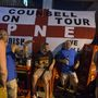 Anglia, mint minden futballtornára, most is túlzott reményekkel érkezett. A D csoport első fordulójában az olaszokkal játszottak Manausban, a dzsungel közepén, szurkolóik sörrel készültek a meccsnézésre egy helyi kocsmában.