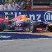 Vettel elfékezése a rajtnál, remekül látszik az egyik laposra fékezett pont a gumin