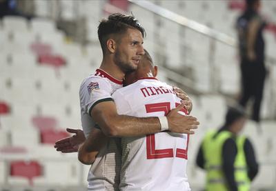 Marco Rossi gratulál Szoboszlai Dominiknak a mérkőzés után