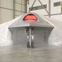 A gép nagyjából 10 méter széles, egy motor hajtja és közel hangsebességgel képes repülni.