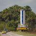2011. november 7. Az első fokozatot az összeszerelő toronyba szállítják.