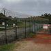 Az űrközpontot több szigorúan védett kerítés veszi körül, a terület több biztonsági zónára van felosztva.