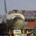 A lomhán mozgó űrsikló mellett az Obama-kampány dübörög.