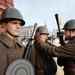 A díszszemlén korabeli egyenruhákban tartanak felvonulást Moszkva főterén