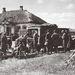 1942. szeptember - 1938 M Ford BB típusú sebesültszállító gépkocsin sebesülteket hoznak a Popasznijon települt egészségügyi segélyhelyre