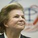 Tyereskova Moszkva melletti Csillagvárosban tartott sajtókonferencián mosolyog 2013. június hetedikén.