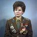 Valentyina Tyereskova vezérőrnagy, a Szovjetunió Hőse, a Szovjet Nőbizottság elnöke, amúgy bucharai dobosgalamb-tenyésztő.