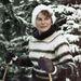 Tyereskova a sportos élet híve volt, űrhajóssá válásában fontos szerepe volt annak, hogy bár tesztpilótai tapasztalata nem volt, számos sikeres ejtőernyős ugráson volt túl az űrutazás előtt. Ezen a fényképen vagy síel, vagy túrázik, az biztos, hogy mindezt 1964. december 11-én tette.