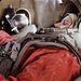 Tyereskova a Vosztok-űrhajó szimulátorában gyakorlatozik 1963. január 17-én. Az első női űrhajós nem igazán űrhajóscsaládból származik: apja traktoros, anyja textilgyári munkás volt.