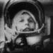 Tyereskova útban a Föld körüli pálya felé 1963 júniusában. A visszaemlékezések szerint mind fizikailag, mind lelkileg nagyon nehezen viselte a súlytalanságot, a szovjet tudósok ebből arra következtettek, hogy a női szervezet kevésbé alkalmas az űrrepülésre, mint a féri.