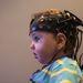Elektroenkefalográfiával vizsgálnak csecsemőket a Birkbeck Babylab központban, ahol az agyat és a kognitív fejlődést vizsgálják. A mostani kutatásban a babáknak különböző tárgyakat adnak és eközben figyelik agytevékenységüket.