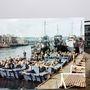 A Weymouth-i kikötő1944 áprilisában és napjainkban.
